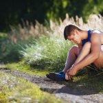 Was tun bei Blasen am Fuß – lieber Polstern statt Aufstechen