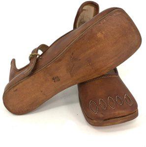 Pflanzengegerbte Schuhe